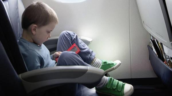 Hãy đến sân bay sớm vì mang theo trẻ nhỏ có thể khiến bạn phát sinh rất nhiều việc lặt vặt để làm - Ảnh: ABC News