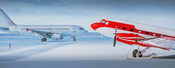 Sân bay Ice Runway ở Nam Cực. Ảnh: Stu Shaw/Shutterstock