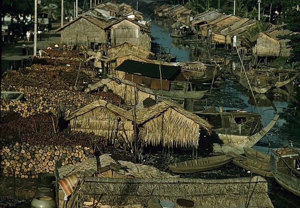 Bộ ảnh của ông mang lại cái nhìn gần gũi với văn hóa, nếp sống thường nhật của người Hoa sinh sống tại Sài Gòn trước năm 1975.