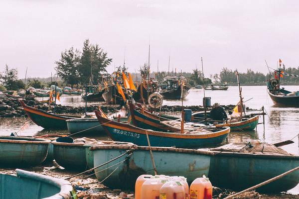 Lộc An là nơi neo đậu tàu thuyền của ngư dân nằm trên địa phận Bà Rịa - Vũng Tàu, sau những chuyến đánh bắt ngư dân tập kết lại đây để nạp nhiên liệu và bảo trì máy móc, thiết bị.