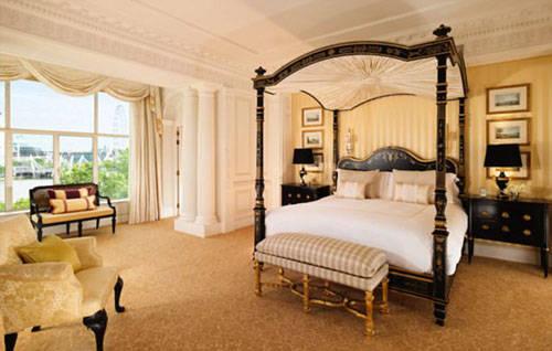 """Chiếc giường cũng được miêu tả như một """"đám mây sang trọng và gợi cảm"""" và là """"viên ngọc quý hiếm"""". Ảnh: Sleeper Magazine."""