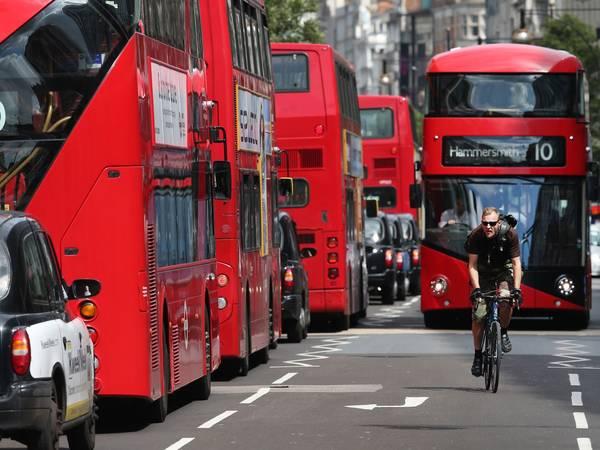 Hệ thống giao thông công cộng luôn sẵn sàng phục vụ khách du lịch.