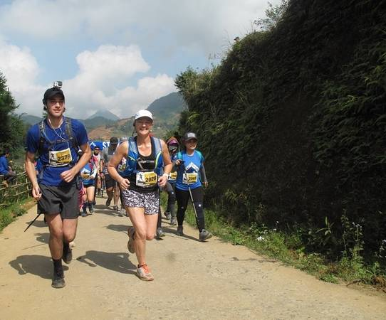 Giải marathon vượt núi 2017 (Vietnam Mountain Marathon 2017) vừa diễn ra từ ngày 22 đến 24/9 tại Sa Pa, Lào Cai. Cuộc đua thu hút tới 2.500 người tham gia từ hơn 50 quốc gia và vùng lãnh thổ trên thế giới. Đây là con số kỷ lục tính từ lần đầu tiên VMM được tổ chức hồi 2013.