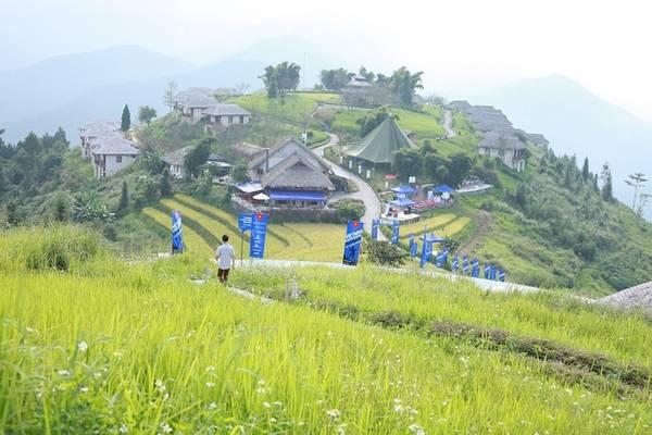 Cuối chặng đua là đường mòn dẫn tới bản Khoang, bản Tả Phìn và 6 km đường đồi trước khi các thí sinh về vạch đích tại khu nghỉ dưỡng sinh thái Topas Ecolodge.