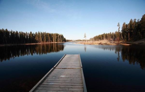 """Pekwachnamaykoskwaskwaypinwanik (31 chữ cái) nằm sâu trong vùng hoang dã của Manitoba, Canada. Tên của điểm đến này có nghĩa là """"Nơi cá hồi tự nhiên được đánh bắt bằng móc câu"""". Ảnh: Wayn."""