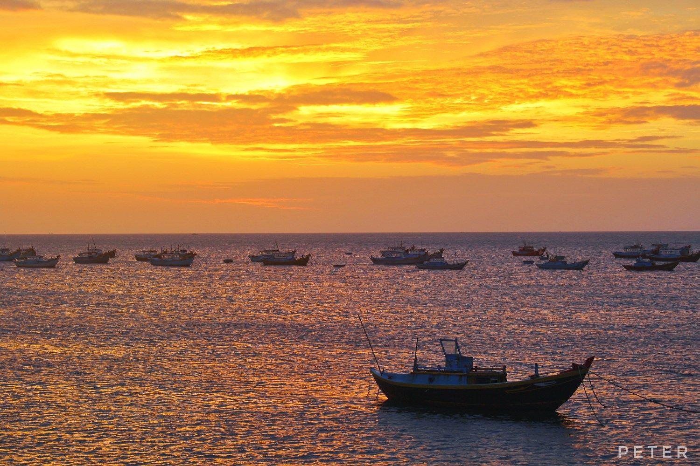 Hoàng hôn trên đảo Phú Quý. Ảnh: Peter Cao