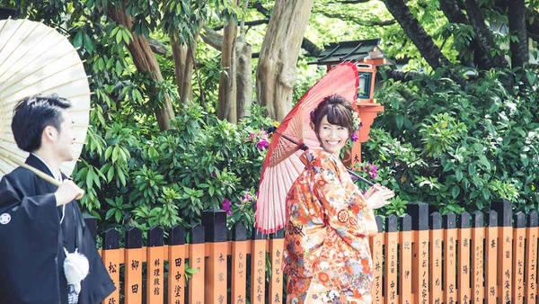 """Một dự án phụ của Figueras - """"Photo My Tokyo"""" - giúp du khách ghi lại những trải nghiệm tại khu trung tâm nhộn nhịp theo góc nhìn chân thực nhất có thể."""