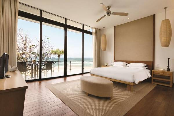 Hyatt-Regency-Danang-Resort-Spa-ivivu-4