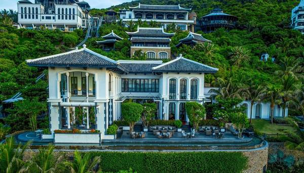 InterContinental-Danang-Sun-Peninsula-Resort-ivivu-5