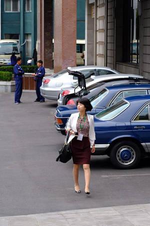 """""""Người dân Triều Tiên vẫn kín đáo dù thân thiện hơn, trên đường vẫn dáng điệu hối hả nhưng xa rồi vẻ băn khoăn"""", cảm nhận của du khách Hà Nội."""
