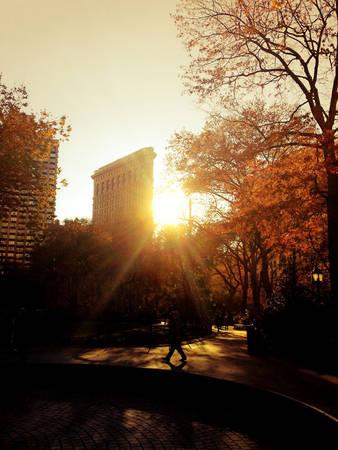 em-co-nghe-mua-thu-o-new-york-ivivu-10