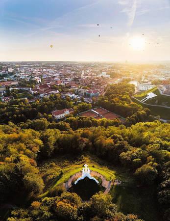 Đất nước Litva được đánh giá là điểm đến dành cho những người yêu thiên nhiên nhờ có rất nhiều rừng cây, sông suối và nguồn tài nguyên đất đai màu mỡ.