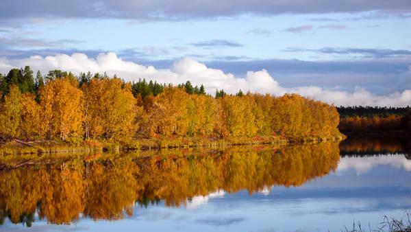 Một lượng lớn nước tự nhiên ở vùng Lapland là nước sạch, có thể uống được trực tiếp, đặc biệt là nước từ những dòng suối nhỏ.