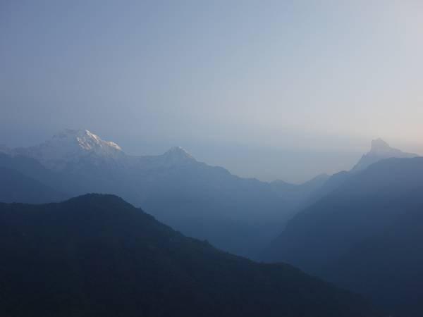 Núi Fishtail và dãy Annapurna South