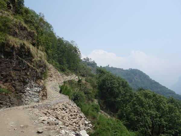 Con đường ven núi
