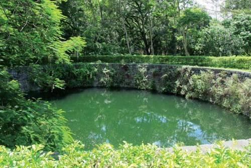 Giếng Ngọc được xem là giếng cổ lớn nhất Việt Nam hiện nay