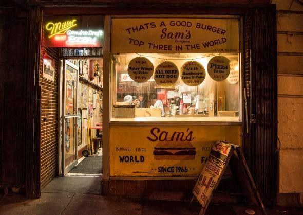 North Beach là khu phố Ý của thành phố San Francisco, nơi bạn có thể tìm thấy các nhà hàng ẩm thực tuyệt vời - Ảnh: NatGeo