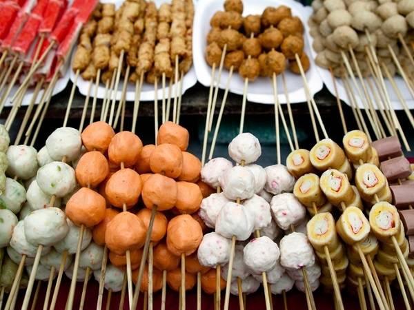 Những quầy thức ăn đường phố ở Kuala Lumpur luôn níu chân du khách bởi sự đa dạng và hương vị khó cưỡng.