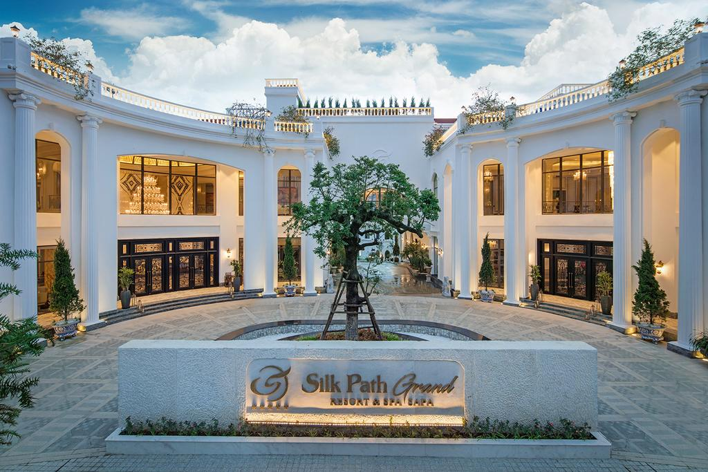 3N2Đ Silk Path Grand Resort & Spa Sapa 5* + 02 Vé Xe Limousine Khứ Hồi Dành Cho 2 Người