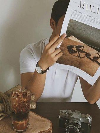 Nằm trong một chung cư cũ trên đường Nguyễn Huệ, quán cà phê Thinker & Dreamer được bài trí thông minh, tối giản hóa các chi tiết, mang lại không gian nhẹ nhàng thích hợp cho những bạn muốn tận hưởng khoảng thời gian riêng tư. Ảnh: Instagram.