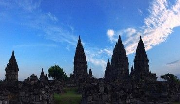 den-hindu-hon-nghin-nam-tuoi-o-indonesia-ivivu-2