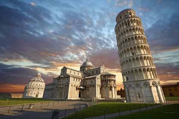 Tháp nghiêng Pisa, Italy. Ảnh: Greentourism