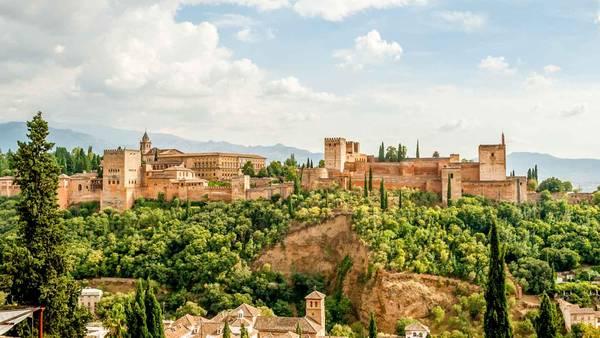 Pháo đài Alhambra, Tây Ban Nha. Ảnh: Cdn
