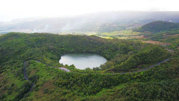 Các nhà địa chất nơi đây tin rằng vùng đất 7 màu bền vững theo thời gian là do sự hình thành của thời tiết, của đá núi lửa.