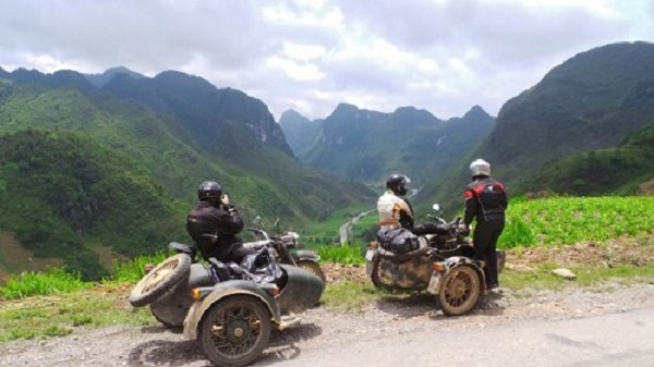 Chiếc Ural Sidecar trên đường phượt Hà Giang. Ảnh: Cuong's Motorbike Adventure.