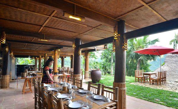 Nhà hàng ở Pù Luông Retreat.