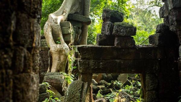 Được xem là một trong những quần thể đền Khmer quan trọng nhất vào thời kỳ hoàng kim của đế chế này, Banteay Chhmar được xây dựng để tôn vinh con trai Suryakumara của vua Jayavarman VII và 4 vị tướng lĩnh quân đội. Ảnh: CNN.