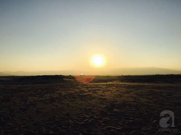 Hoàng hôn tráng lệ trên đồi cát Quang Phú.