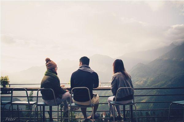 Quán Coffee với view nhìn về dãy Hoàng Liên Sơn