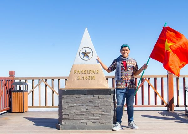 Cột mốc đánh dấu độ cao của đỉnh Fansipan