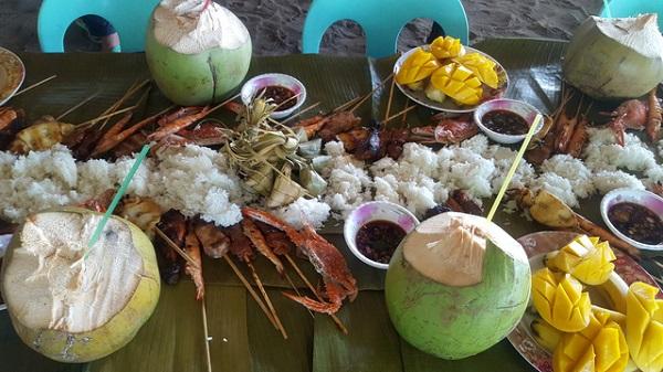 Thưởng thức thức ăn bản địa trên đảo Caohagan