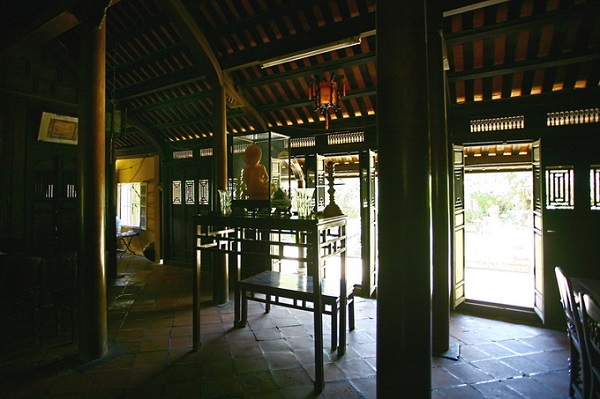 Trải qua những thăng trầm của thời gian và thời cuộc, nhà vườn An Hiên vẫn được bảo tồn nguyên vẹn. Hiện nay, nhà vườn An Hiên là một địa chỉ văn hóa, điểm dừng chân quen thuộc của những du khách tới Huế. Đó cũng là một nét riêng biệt của Huế trong văn hóa kiến trúc đô thị ở Việt Nam. Vé vào tham quan giá 20.000 đồng.