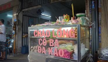 chao-long-co-ba-dat-xat-ra-mieng-gan-nua-the-ky-o-sai-gon-ivivu-1
