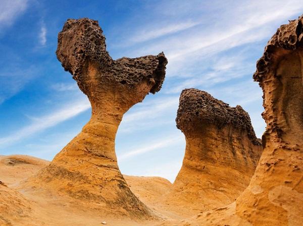 Một phiến đá tại công viên địa chất Dã Liễu - Ảnh: Smithsonian Magazine
