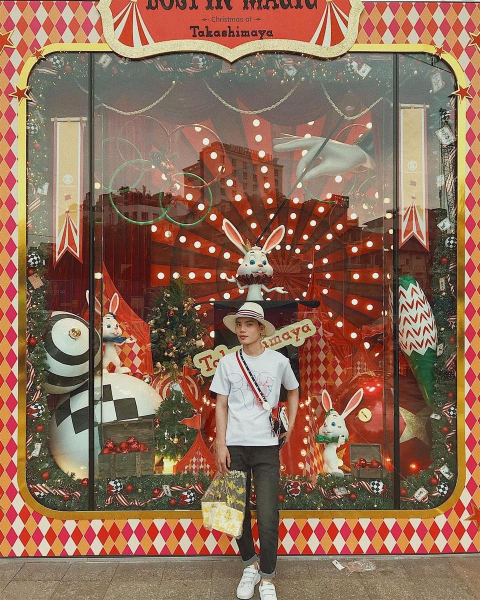 """Đi hết 4 trung tâm thương mại ở Sài Gòn cho bộ ảnh Giáng sinh """"cực chất"""""""