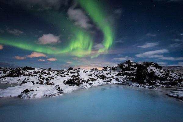 Blue Lagoon là một trong những điểm du lịch và là khu spa nước nóng thu hút nhiều khách nhất ở Iceland. Hồ nằm ở Grindavik thuộc bán đảo Reykjanes, miền tây nam Iceland. Ảnh: Kay Burley.
