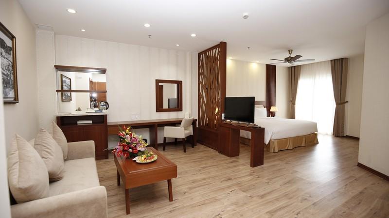 tr n g i cho 2 kh ch 3n2 kh ch s n ladalat 5 sao 1 b a n t i ch ng. Black Bedroom Furniture Sets. Home Design Ideas