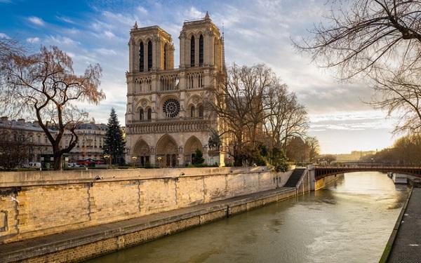 """Paris - """"Thành phố của ánh sáng thần tiên"""""""