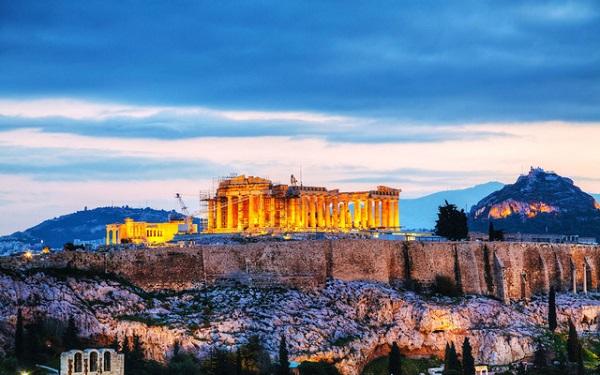 Athens là một thành phố quanh năm đông du khách