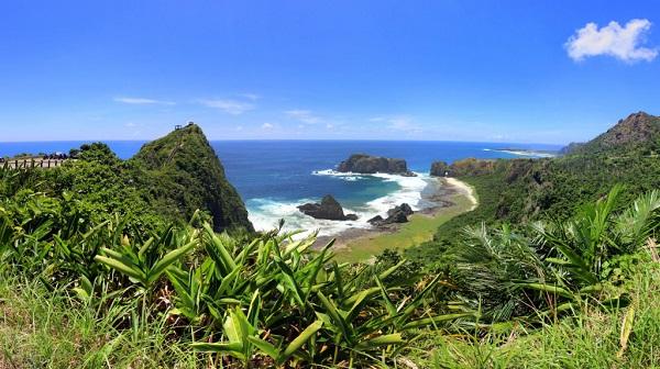 Khám phá đảo nhỏ: Đài Loan có nhiều đảo nhỏ, như đảo Lan Tự, Lục Đảo và quần đảo Bành Hồ với khung cảnh tuyệt đẹp mà chưa quá đông du khách. Bạn có thể thăm các làng chài, tắm nắng, bơi lội hay chơi các môn thể thao trên biển. Ảnh: Zac Gorell.