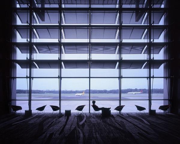 Ngoài Changi, bạn đã bao giờ nhìn thấy ghế thoải mái như vậy tại sân bay khác? - Ảnh: Telegraph