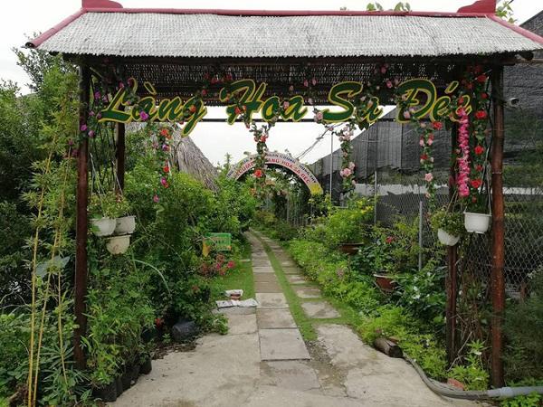 Một lối vào Vườn hoa Sa Đéc