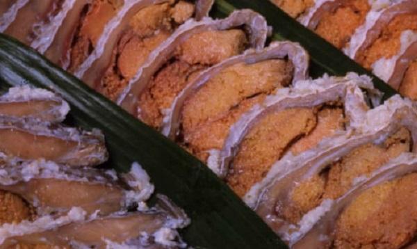 Ban đầu phần gạo ướp cùng cá sẽ bị bỏ đi và người Nhật chỉ ăn phần cá. Ảnh: Biwako Visitors Bureau.