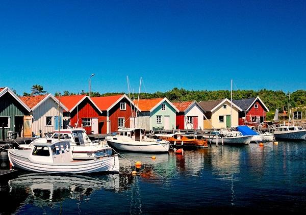 Quần đảo Koster, Thụy Điển: Quần đảo Koster, phía bắc Gothenburg ở eo biển Skagerrak là điểm đến lý tưởng trong mùa hè. Đến đây, du khách được khám phá cuộc sống của những loài chim hoang dã, các hẻm núi sống động và tận hưởng những ngày nghỉ nhẹ nhàng với chuyến đi bộ đường dài hay đạp xe đạp. Ảnh: Kosteroarna.