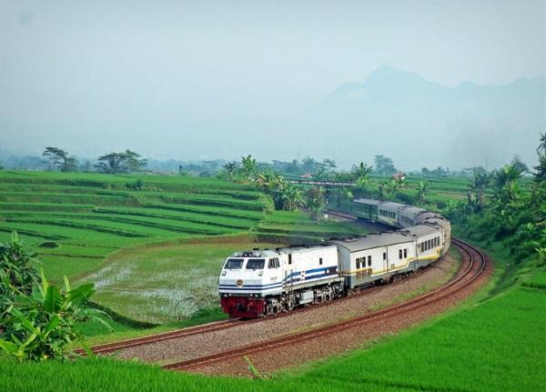 Tàu hỏa xuyên Việt vào top 10 tuyến tàu đẹp nhất châu Á 2018 7