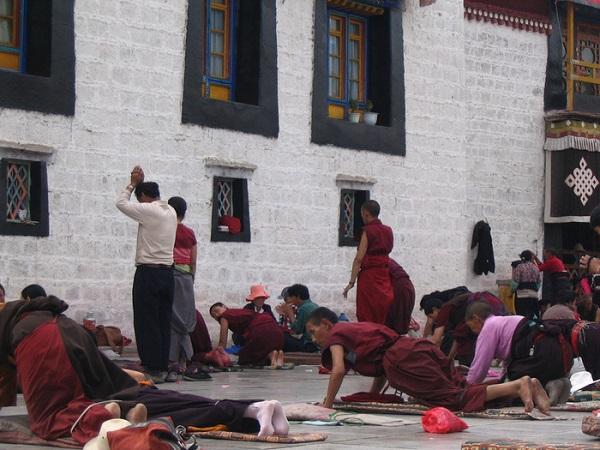 ở Lhasa